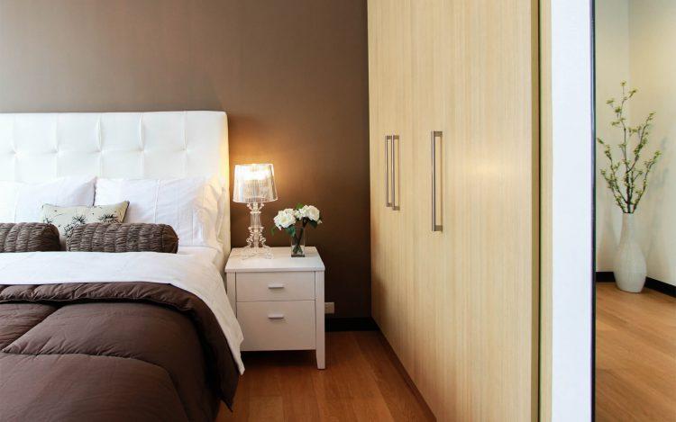 Cách vệ sinh nội thất phòng ngủ nhanh và sạch nhất